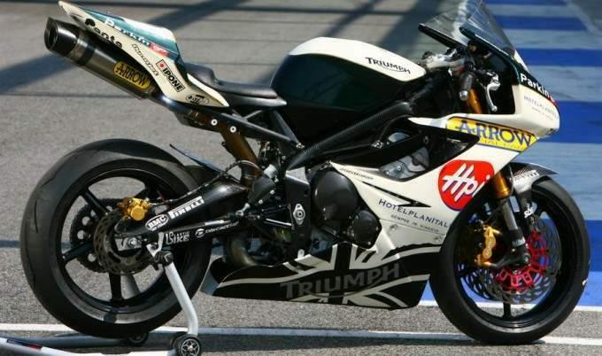 Machines de courses ( Race bikes ) - Page 2 Pettin11