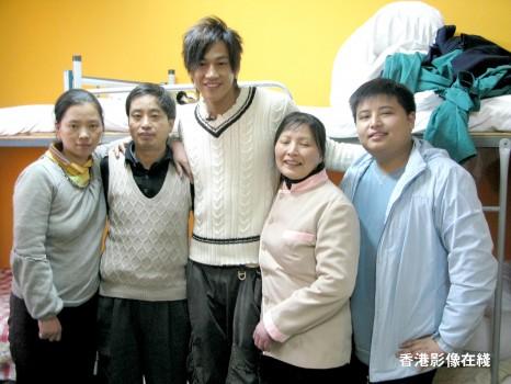 01 Dec '07 Peter Helped Voluntary Worker 07120110
