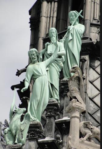 GIORGIO BONGIOVANNI.... UN HOMME PAS COMME LES AUTRES... AU SERVICE DE JESUS ET MARIE - Page 37 Statue11