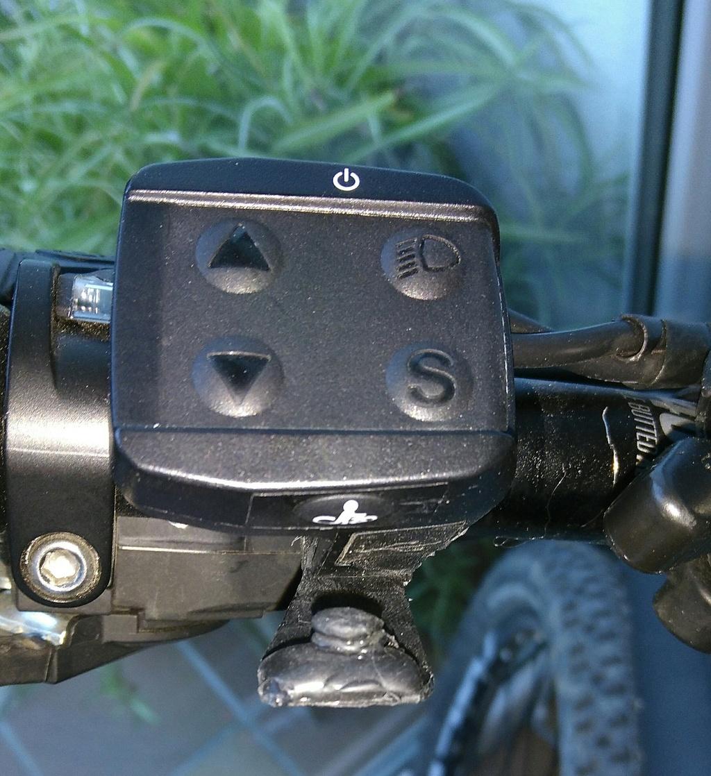 """¿Algún truco o inventillo para pulsar el botoncito del modo """"walk""""? Img_2011"""