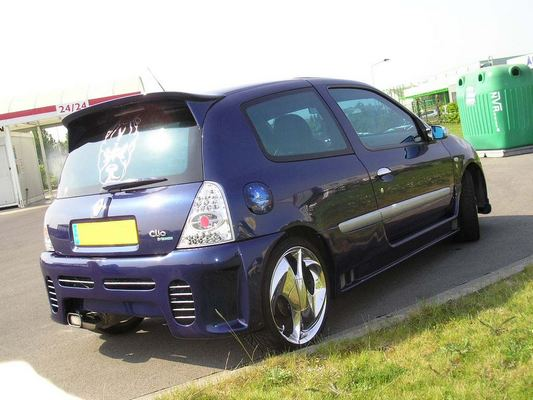vends    clio dci tuning version extreme P1010012