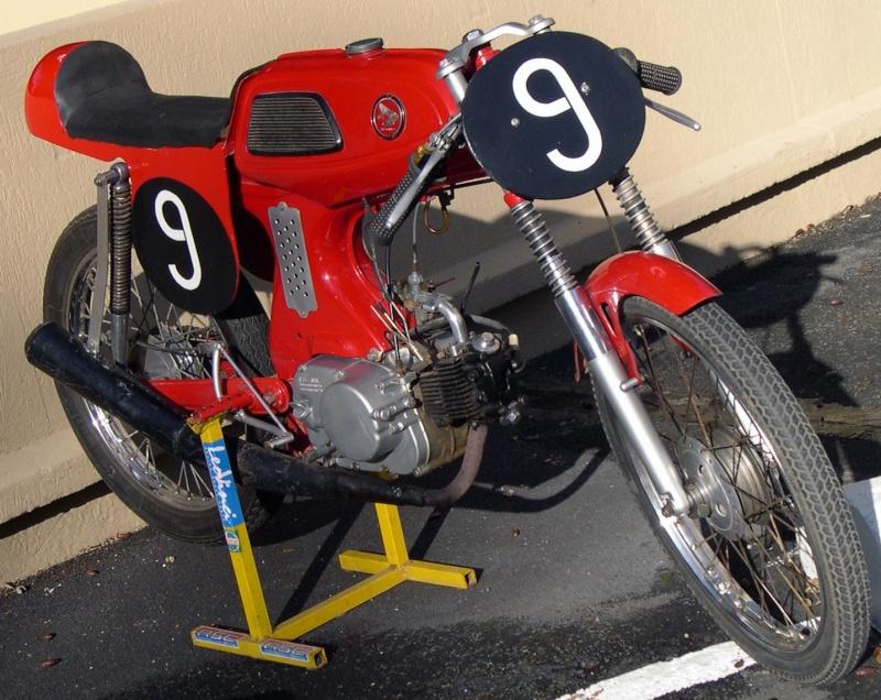 qui qui connait des Honda 320???? Dscn0011