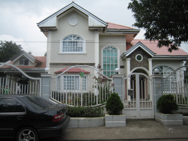 Two Storey Residential House (Tagaytay City) Img_1310