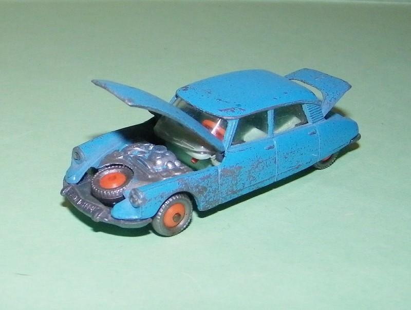 N°13 Citroën DS 21 13_cit10