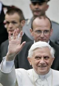 L'abbé Ratzinger... Pope-h10