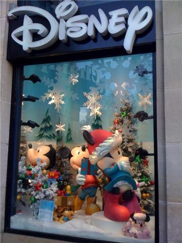 Disney Store Champs- Elysées 1311