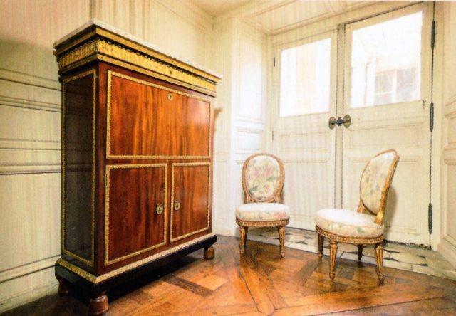 le salon des Huissiers des Petits appartements de la Reine Img20468