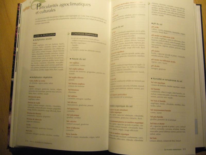Livre sur les plantes aromatiques,condimentaires et à épices P1110518