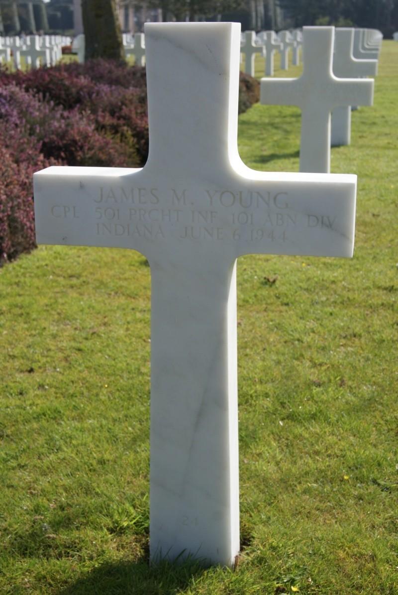 Monument WW2 - Picauville ( Normandie ) Dsc03310