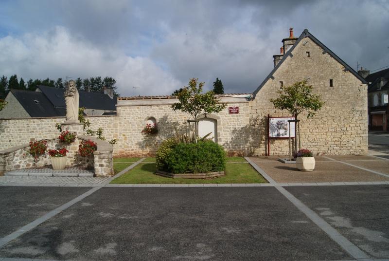 Monument WW2 - Négreville (Normandie) Dsc08511