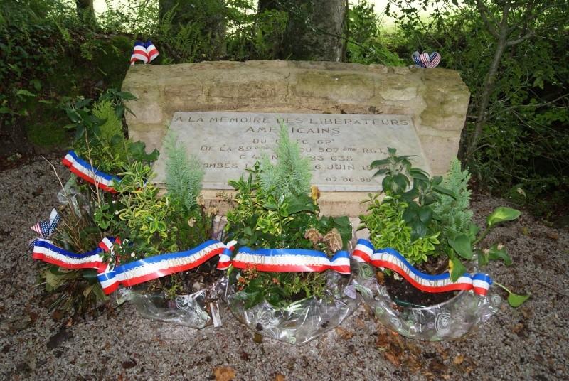 Monument WW2 - Négreville (Normandie) Dsc08513