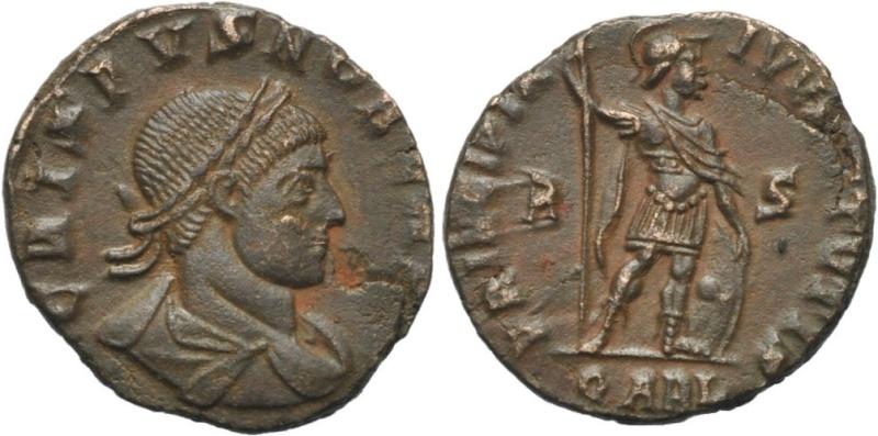 bustes vus de 3/4 arrière 1657710