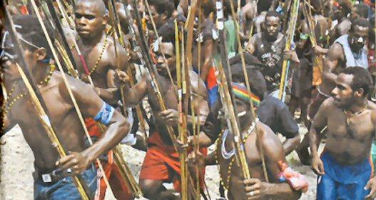 Het verhaal achter de foto's.... 2 Papoea16