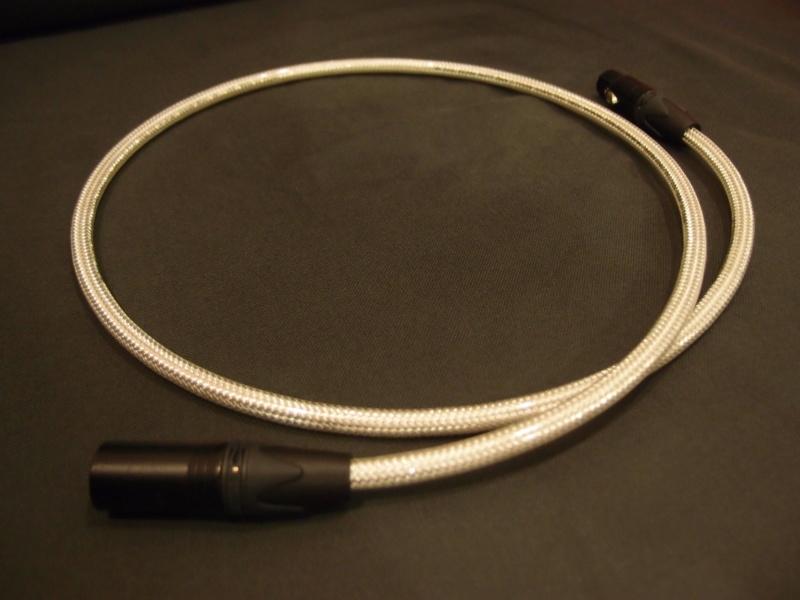 Oyaide FTVS-910 AES/EBU Digital Cable (Sold) P9086511