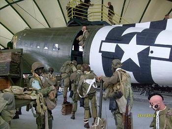 [Les anciens avions de l'aéro] Douglas C-47D Dakota - Page 2 S7303610
