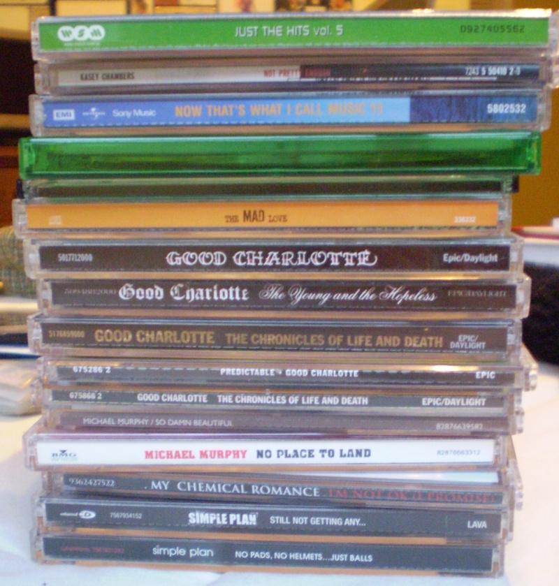 [SELLER] Free stuff + Really Cheap Stuff (CDs, Posters, Wigs Pc160012