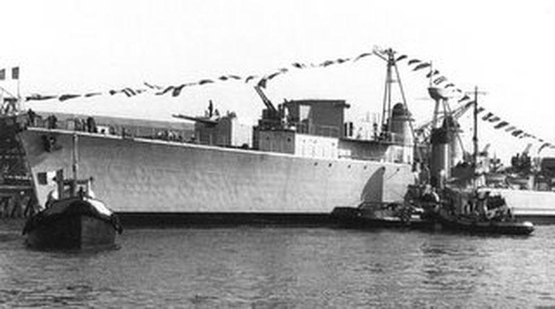 SURCOUF (EE) 1953su10