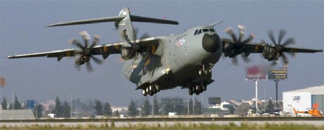 l'Airbus A400m a volé - Page 3 Premie10