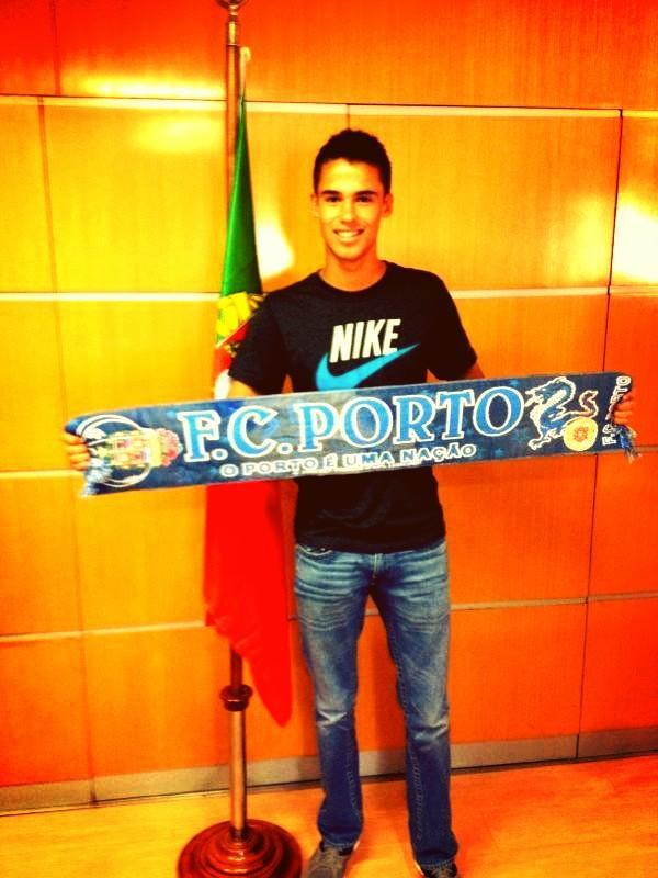 Diego Reyes nuevo jugador del Porto A-urgh10