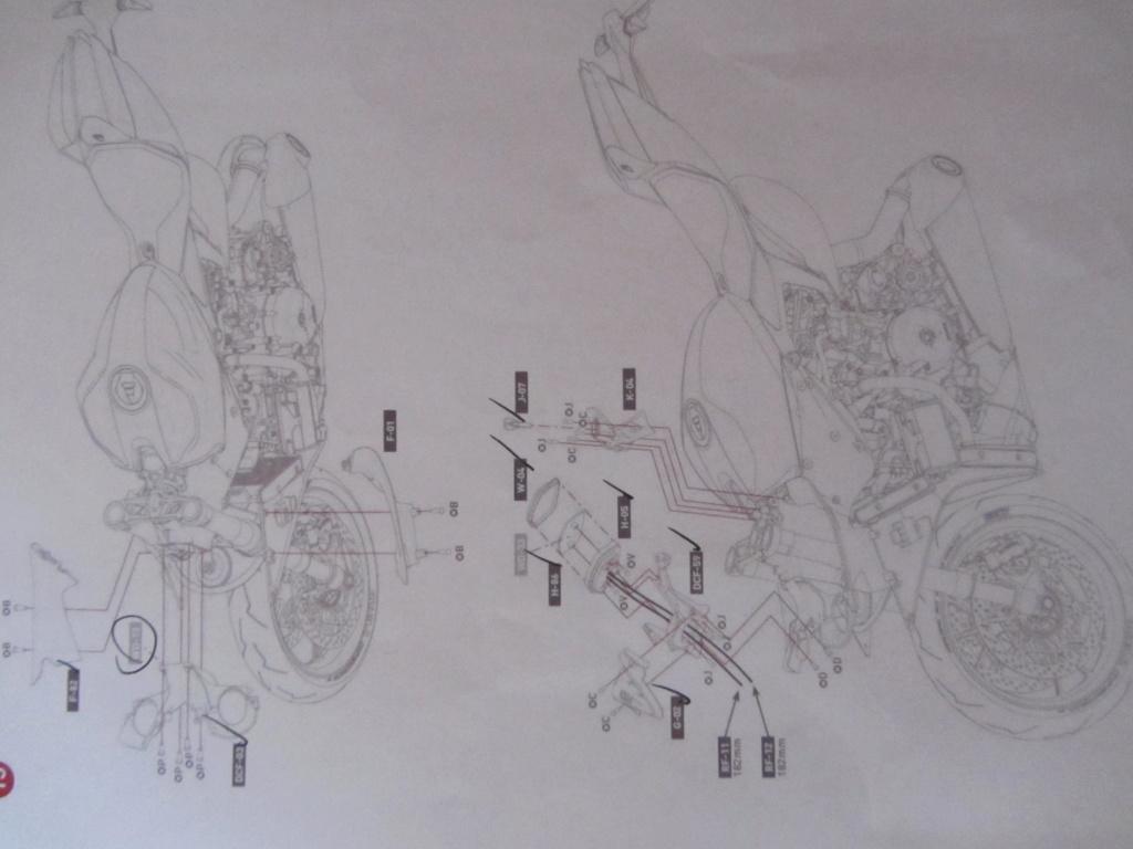 DUCATI SUPERBIKE 1299 PANIGALE S -  1:4 - Pocher gebaut von XEDOS - Seite 3 Img_7219
