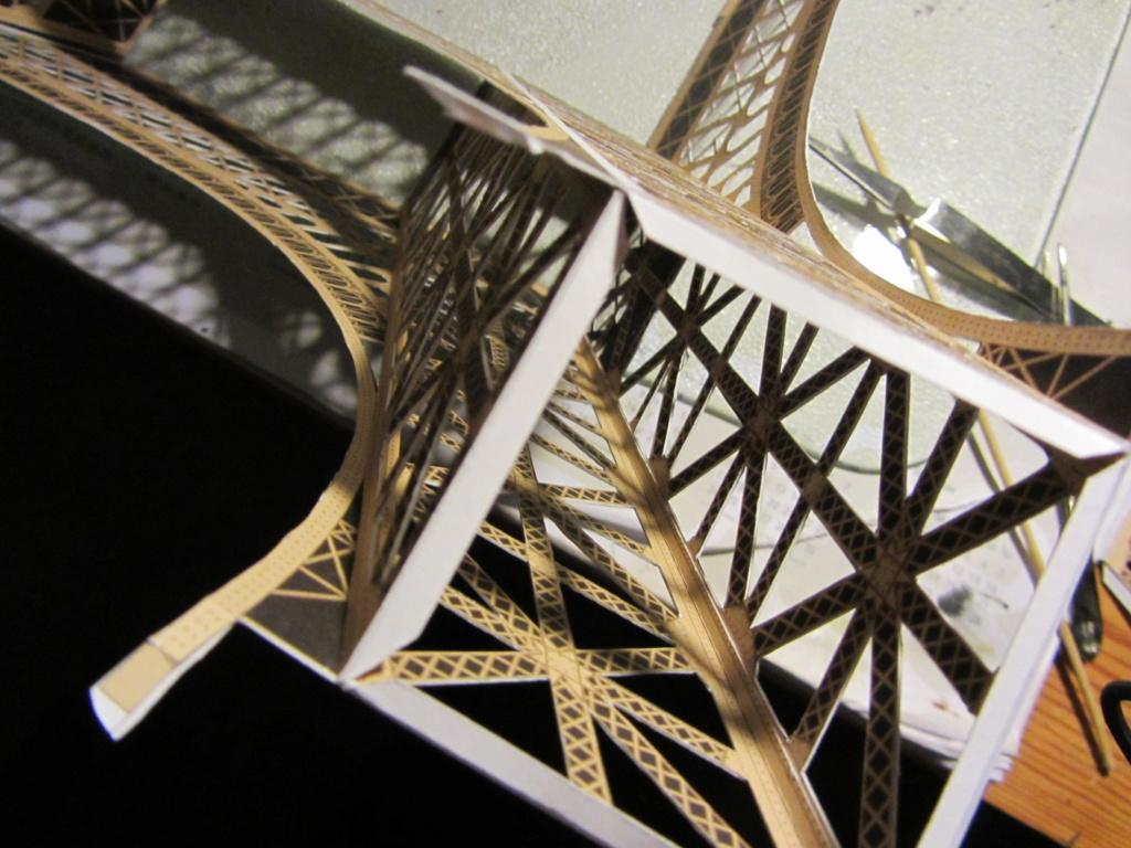 Der Eiffelturm 1:300 gebaut von XEDOS - Seite 2 Img_8115