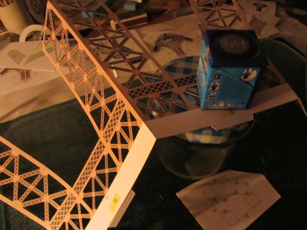 Der Eiffelturm 1:300 gebaut von XEDOS - Seite 2 Img_8129