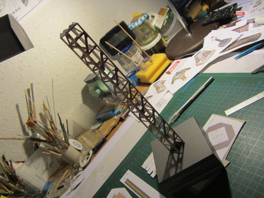 Der Eiffelturm 1:300 gebaut von XEDOS - Seite 2 Img_8135