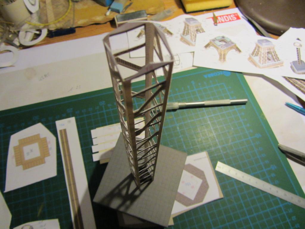 Der Eiffelturm 1:300 gebaut von XEDOS - Seite 2 Img_8136