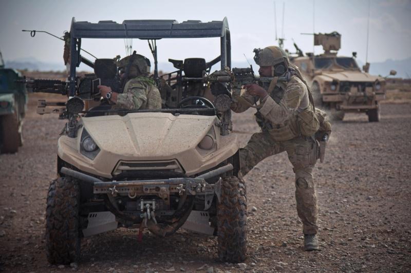 Vehicule leger des fs américain en Afgha Hires_10