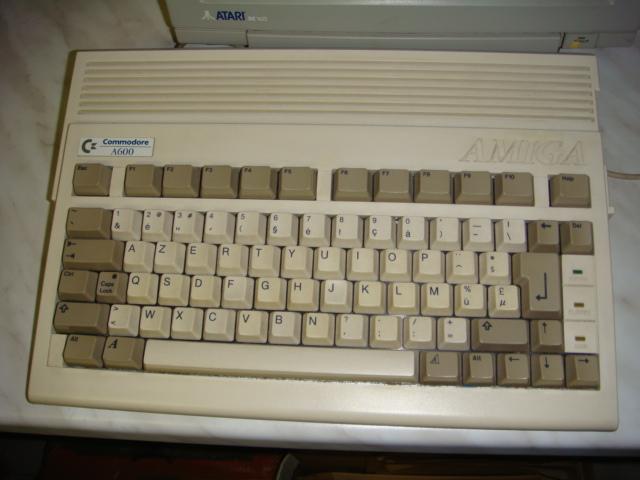 Collection de Homerced  - Page 2 Amiga611