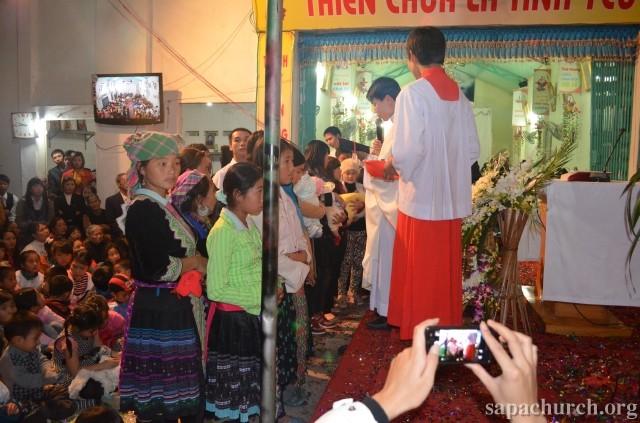 HMOOB CATHOLIC NYOB COB TSIB TEB (Hmong Catholic Vietnam) - Page 5 Dienbi11