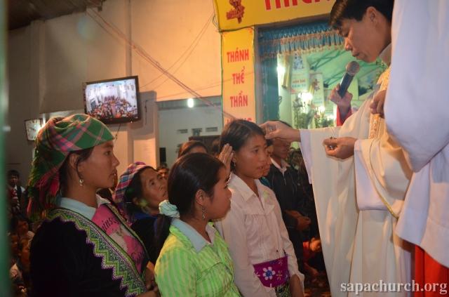 HMOOB CATHOLIC NYOB COB TSIB TEB (Hmong Catholic Vietnam) - Page 5 Dienbi12