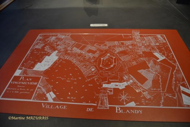 Blandy les Tours – Le château 04-02-13