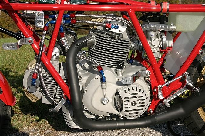 Ducati Twins à Couples Coniques : C'est ICI - Page 3 22011013