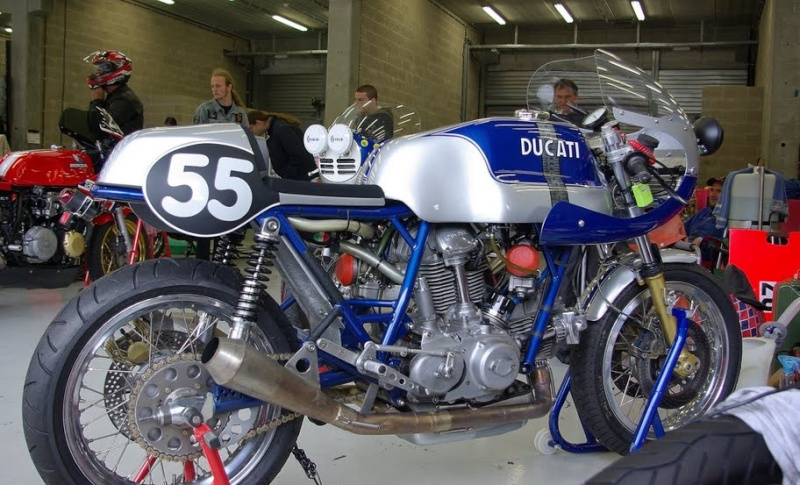 Ducati Twins à Couples Coniques : C'est ICI - Page 3 Imgp7411