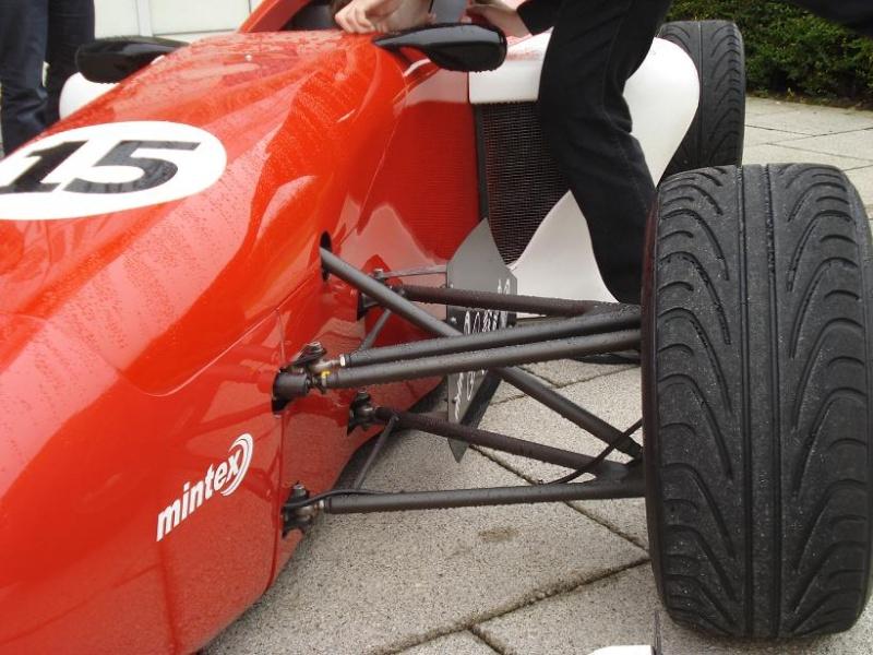 Imagenes de carros Formula Silverstone (muy parecidos a los Formula SENA) Dsc01613