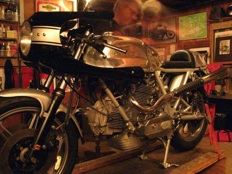 Ducati Twins à Couples Coniques : C'est ICI - Page 4 28926210