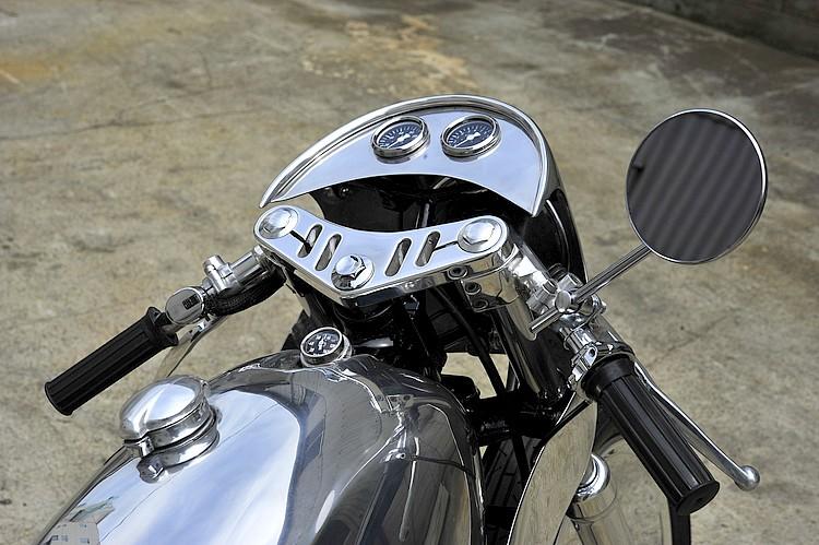 SR400 un peu chromée Detail10