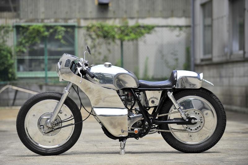 SR400 un peu chromée Intro010