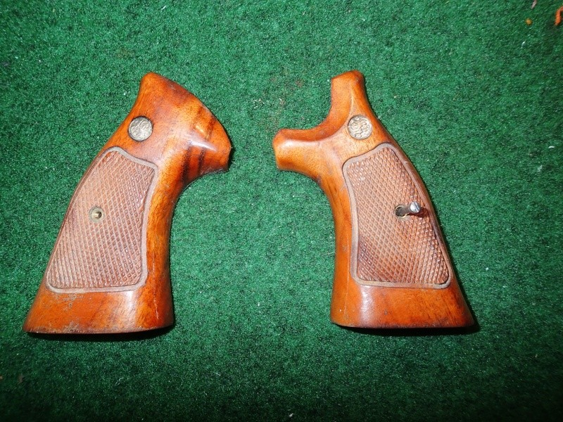 [Identification + Est] Crosses SW + holster P1240012
