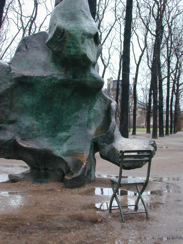 Le motif de la chaise dans l'art Dietma11