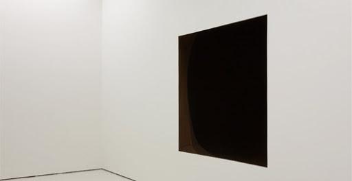 Confinements / Déconfinements : représentations artistiques. Kapoor18