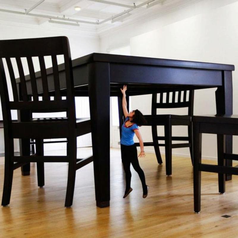 Le motif de la chaise dans l'art Robert10