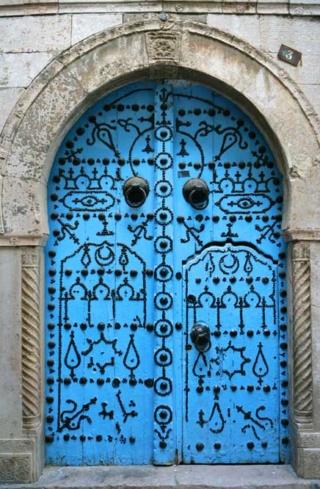 Le clou - Page 4 Tunis_10