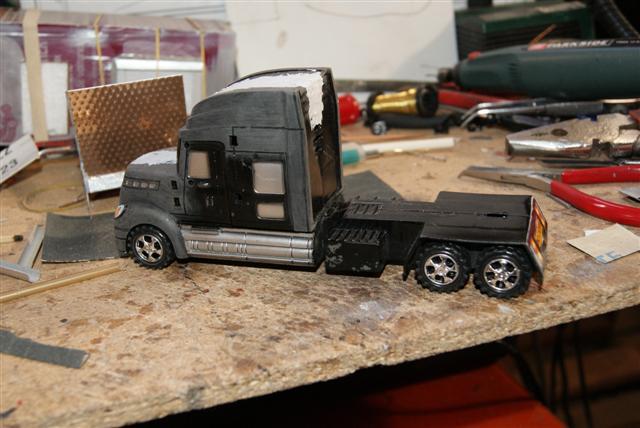 Présentation de ma nouvelle réalisation caravane de forain. Repris16