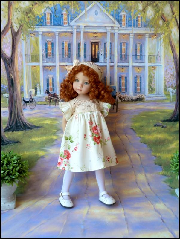 """Mes """"princesses  et leur maison de poupées  Robes blanches P3 P1700013"""