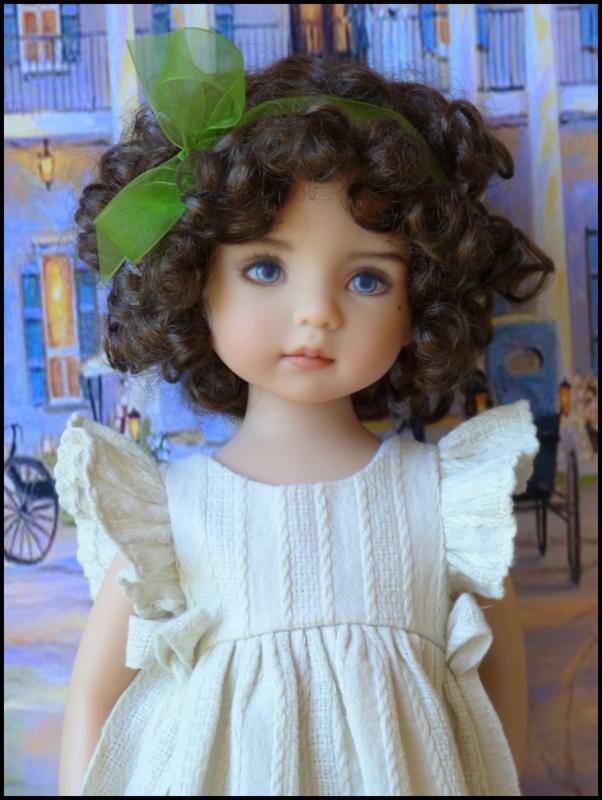 """Mes """"princesses  et leur maison de poupées  Robes blanches P3 P1700018"""