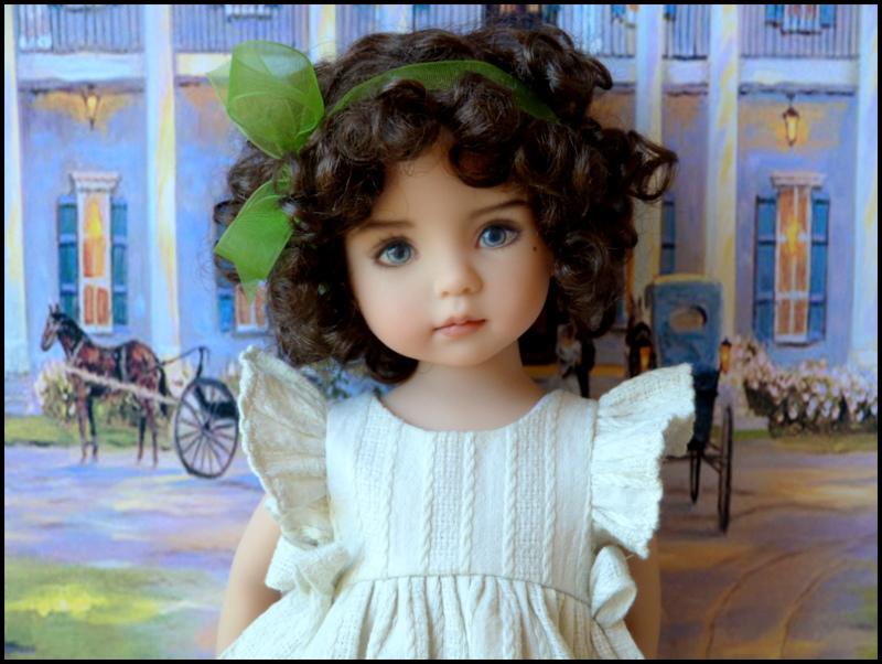 """Mes """"princesses  et leur maison de poupées  Robes blanches P3 P1700020"""