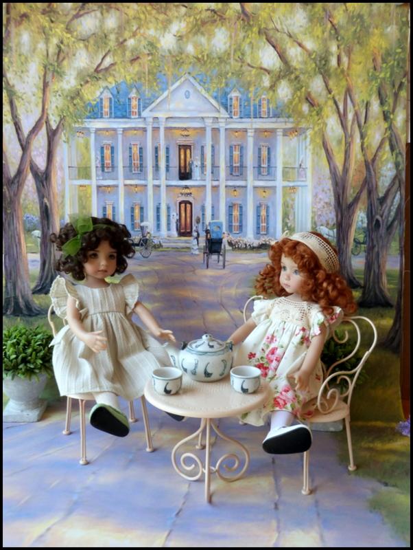 """Mes """"princesses  et leur maison de poupées  Robes blanches P3 P1700023"""
