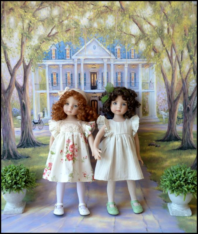 """Mes """"princesses  et leur maison de poupées  Robes blanches P3 P1700024"""